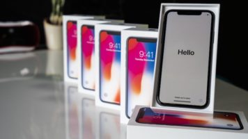 Apple iPhone X or Samsung Galaxy S9 Plus Giveaway header